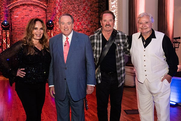 TOM WOPAT, CATHERINE BACH & BEN JONES JOIN HUCKABEE THIS WEEKEND ON TBN