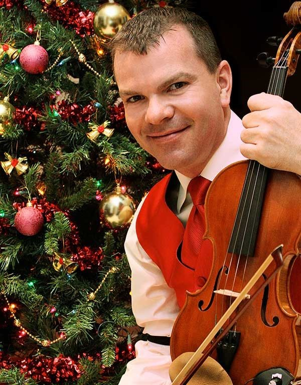 Canadian Fiddle Champion Scott Woods Announces 2019 Old Time Country Christmas Tour
