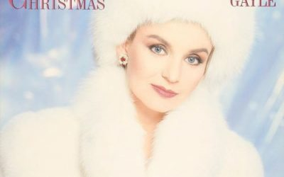 Crystal Gayle Digitally Reissues 'A Crystal Christmas'
